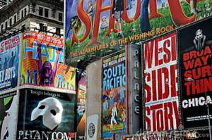 nyc-carteleras-de-broadway-del-times-square-13239707